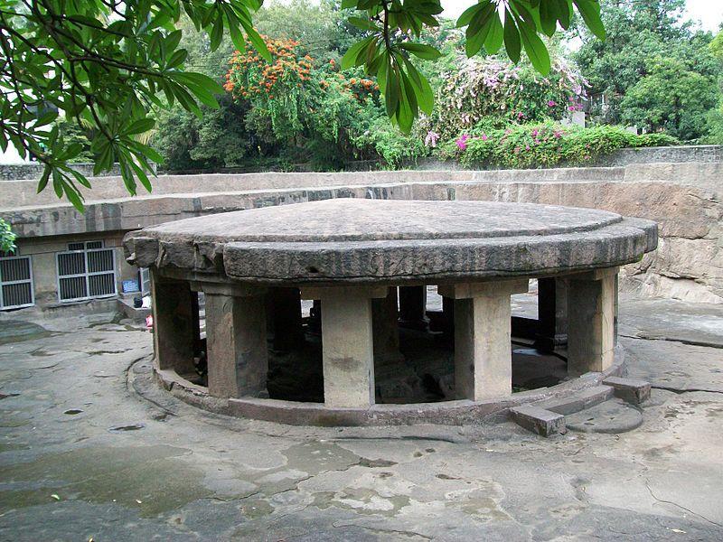 Pataleshwar Temple, near Pune, Maharashtra by Wikipedia